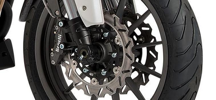 Що впливає на ефективності гальмівних систем мотоцикла.